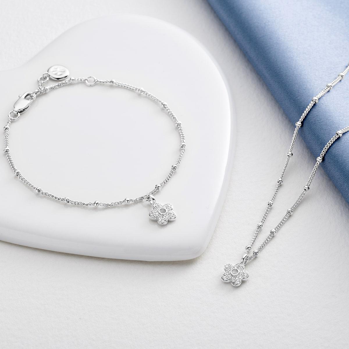 Silver Hadley Flower Gift Set