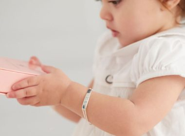 A Guide on Sizing Jewellery for Babies and Children